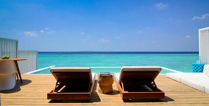 Terasse, Pool, Lagoon House | Amilla Fushi, Malediven