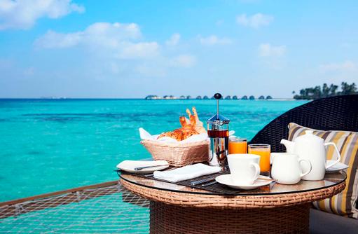 Frühstück, Water Villa, Amari Havodda Maldives