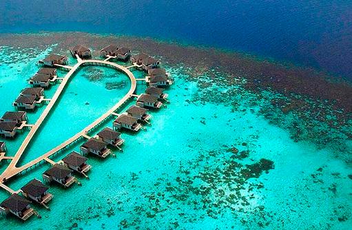 Luftaufname Wasserbungalows Amari Havodda Maldives