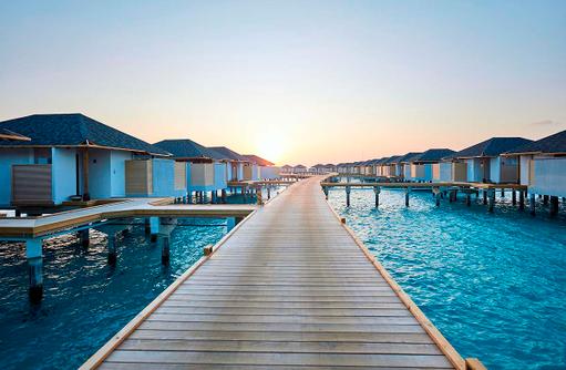Steg Wasserbungalows Amari Havodda Maldives