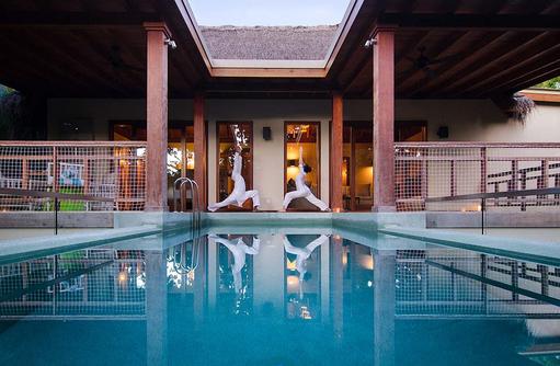 Yoga, Pool, Javuu Spa, Tree House, Amilla Fushi, Malediven