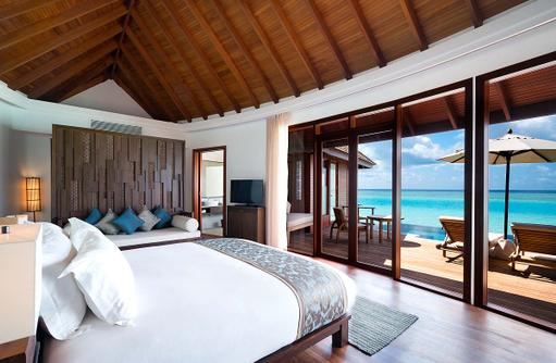 Schlafen in der Anantara Over Water Suite mit Pool, Anantara Dhigu, Maledives