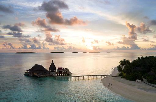 Restaurants zum Sonnenuntergang, Anantara Kihavah Villas, Maldives