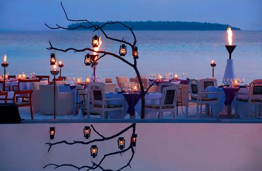 Manzaru Restaurant, Special Dining, Strand, Anantara Kihavah Villas, Maldives