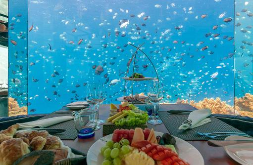 SEA Restaurant, Frühstück mit Blick auf die Unterwasserwelt, Anantara Kihavah Villas, Maldives
