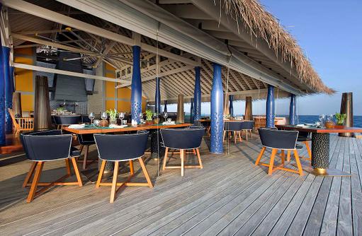SALT Restaurant, Außenterrasse, Anantara Kihavah Villas, Maldives