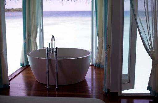 Spa, Treatment Room, Badewanne, Anantara Kihavah, Maldives