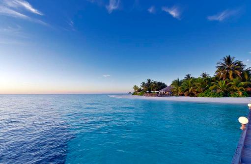 Blick auf die Insel vom Ankunftssteg, Angaga Island Resort & Spa, Maldives