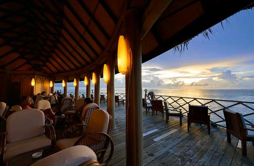 Sundown Bar, Terrasse, Sonnenuntergang, Angaga Island Resort & Spa, Maldives
