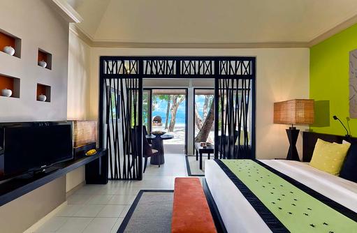 Beach Front Villa, Schlafzimmer, Blick auf das Meer, Angsana Ihuru, Malediven