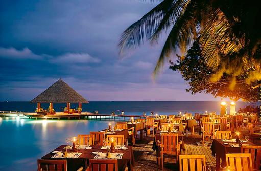 Restaurant Riveli, Abendessen, Aussenterrasse, Angsana Ihuru, Malediven