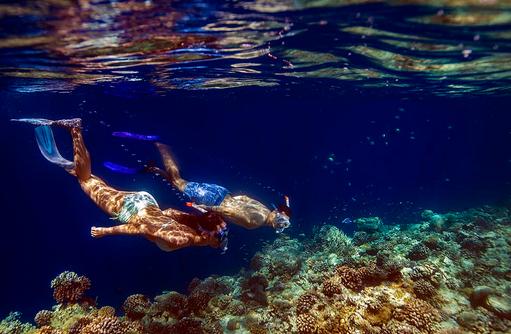 Unterwasserwelt der Malediven genießen, Angsana Velavaru, Malediven