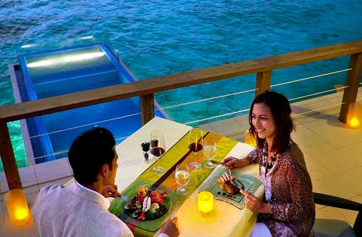 Privates Dinner in einer InOcean Villa, Angsana Velavaru, Malediven