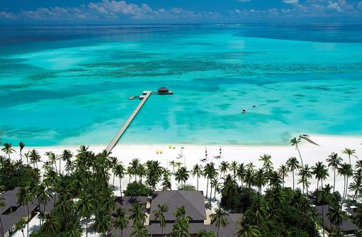Drohnenaufnahme Ankunftssteg, Atmosphere Kanifushi Maldives
