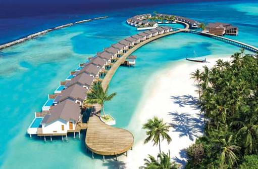 Wasservillen auf dem Steg, Atmosphere Kanifushi Maldives