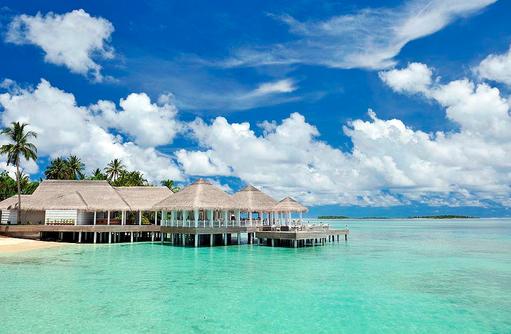 Ocean Breeze Restaurant mit Terrasse, Ayada Maldives