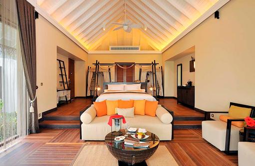 Innenbereich der Sunset Beach Suite, Ayada Maldives