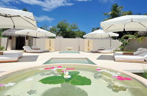 Spa Bereich mit Liegen, Ayada Maldives