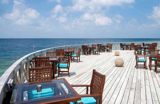 Huvan Restaurant, Terrasse, Bandos Maldives