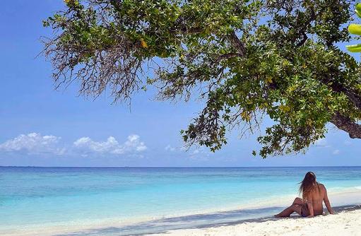 Relaxing am Strand, Bandos Maldives