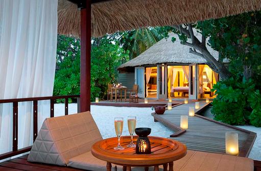 Romantische Lounge, Beachfront Pool Villa, Banyan Tree Vabbinfaru, Malediven