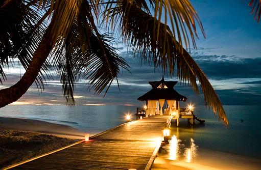 Sunsetpier, Dämmerung, Banyan Tree Vabbinfaru, Malediven