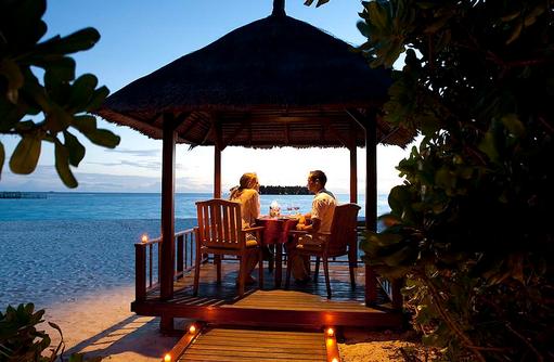 In Villa Dining, Banyan Tree Vabbinfaru, Malediven