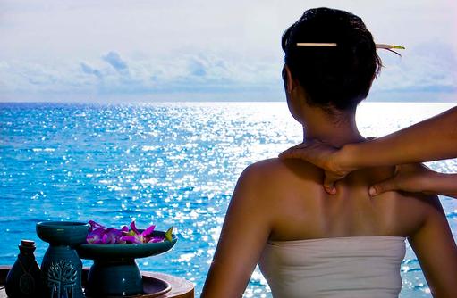Outdoor Massage, Blick auf das Meer, Banyan Tree Vabbinfaru, Malediven
