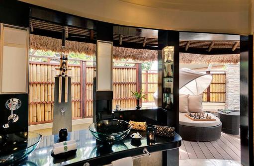 Badezimmer, Openair, Beachfront Pool Villa, Banyan Tree Vabbinfaru, Malediven