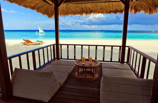 Beachfront Pool Villa, Relax Area, Banyan Tree Vabbinfaru, Malediven