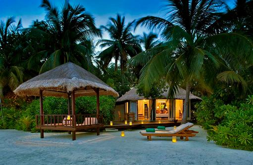 Beachfront Pool Villa, Blick vom Meer, Banyan Tree Vabbinfaru, Malediven