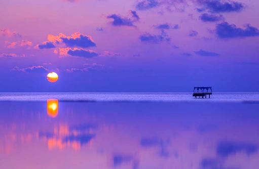 Piano Deck zu Dämmerung, Blick vom Pool, Baros Maldives