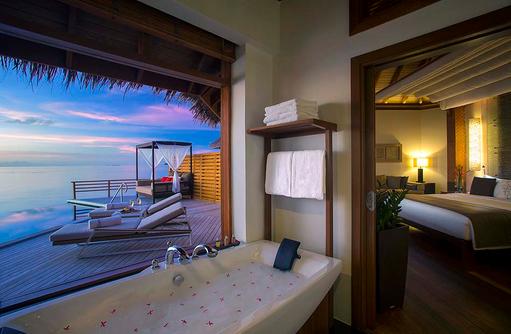 Water Pool Villa zum Sonnenuntergang, Baros Maldives