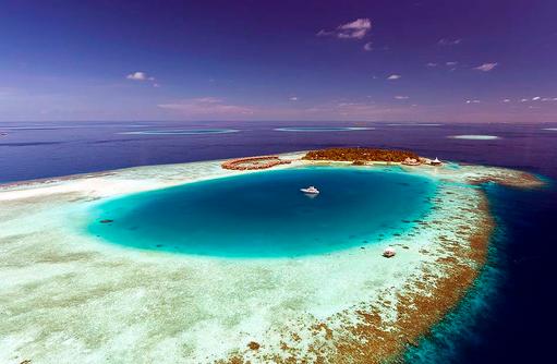 Trauminsel aus der Luftansicht, Baros Maldives