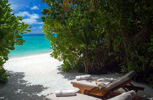 Deluxe Villa, Strandzugang, Liegen mit Meerblick, Baros Maldives
