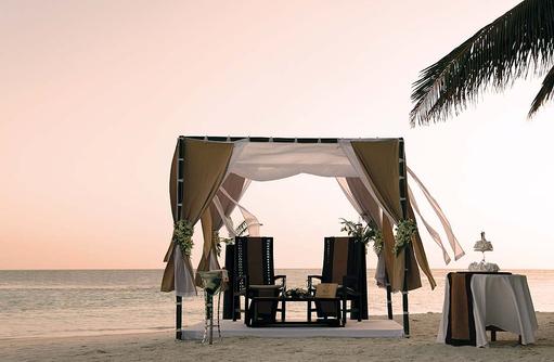 Ehegelübde Erneuerung am Strand, Baros Maldives
