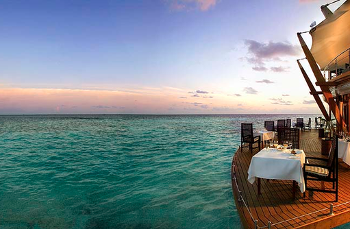 The Lighthouse Restaurant, Panorama, Terrasse, Baros Maldives