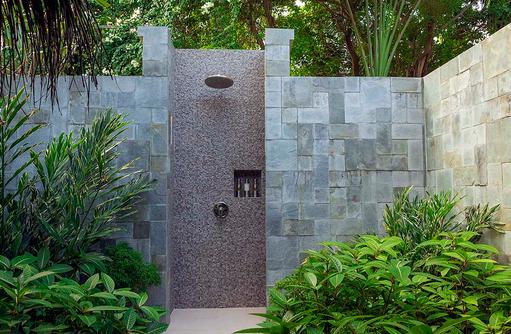 Baros Villa, Badezimmer, Aussendusche, Baros Maldives