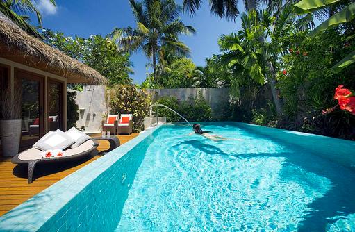 Baros Residence, Pool bei Tag, Baros Maldives
