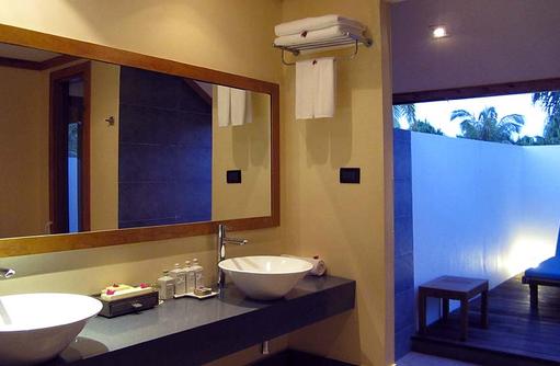 Bad Villa, Canareef Resort, Malediven