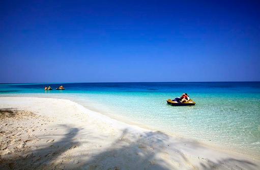 Wassersport, Tretbootfahren,Centara Ras Fushi Resort & Spa, Maldives