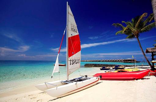 Wassersport, Katamaransegeln, Kanufahren, Bananabootfahren, Centara Ras Fushi Resort & Spa, Maldives