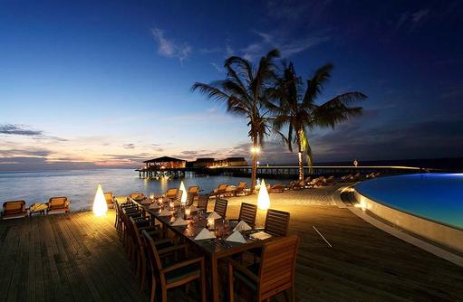 Suan Bua Restaurant, Terrasse, Centara Ras Fushi Resort & Spa, Maldives