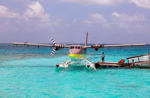 Wasserflugzeug, Cheval Blanc Randheli, Maldives