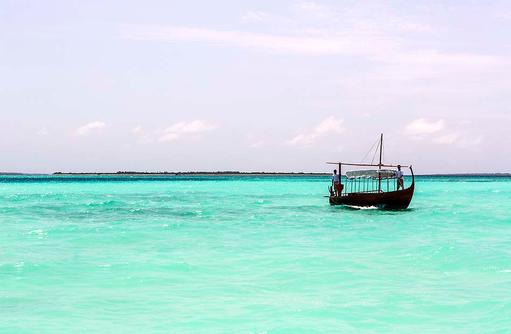 Dhoni, Cheval Blanc Randheli, Maldives