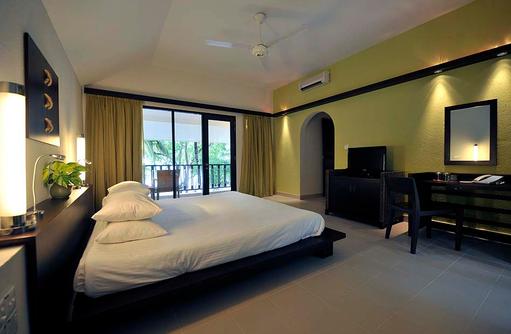 Club Zimmer, Obere Etage mit Balkon, Schlafzimmer, Club Med Kani, Maldives