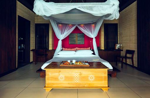 Suite, Over Water, Schlafzimmer, Himmelbett, Club Med Kani, Maldives