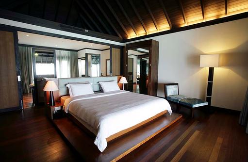 Schlafen in einer Water Villa, Coco Bodu Hithi, Maledives