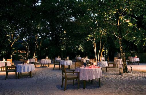 Abendstimmung im Cornus Grill and Restaurant, Coco Palm Dhuni Kolhu, Malediven