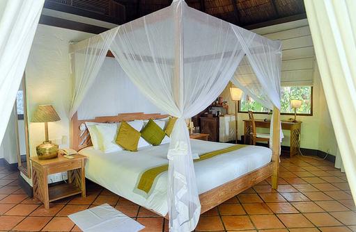 Schlafen in einer Deluxe Villa, Coco Palm Dhuni Kolhu, Malediven